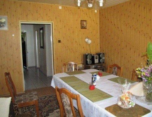 dom wolnostojący z obiektem komercyjnym Szczenurze 13