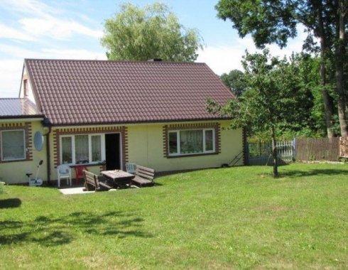 dom wolnostojący z obiektem komercyjnym Szczenurze 18
