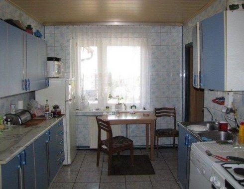 dom wolnostojący z obiektem komercyjnym Szczenurze 21